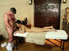 Conned Asian Babe Facialized By Masseur