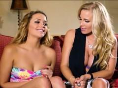 Mia Travels To Suck Her Boyfriends Cock