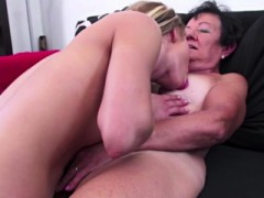 Granny Licking Teen Pussy On Mature Nl