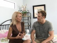Guy Stuffs Mouth And Juicy Twat Of Mature Babe With Dong