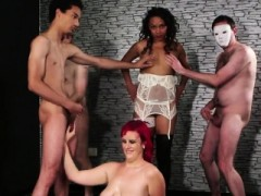 Sexy Honey Gets Sperm Shot On Her Face Eating All The Jism