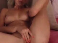 Babe Fernanda Love08 Fingering Herself On Live Webcam