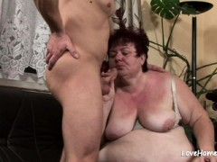 Horny Fat Slut Is Getting Shagged While Bouncing