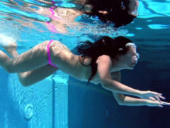 Jessica Lincoln Hot Teen Underwater