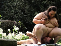 Ssbbw Getting Her Pussy Eaten Outdoors